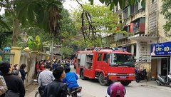 Tin nhanh - Cháy chung cư tầng 5 ở TP Vinh, hàng trăm người hoảng hốt bỏ chạy