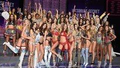 Sự kiện - Khó cưỡng với dàn chân dài tại show nội y nổi tiếng thế giới
