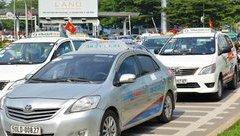 Đầu tư - Hãng taxi truyền thống đầu tiên bỏ cuộc vì Uber, Grab