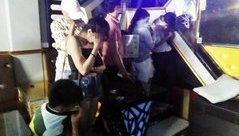 An ninh - Hình sự - Phát hiện hàng chục đối tượng phê ma túy trong quán karaoke