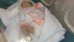Chính trị - Xã hội - Bé gái sinh non nặng 1,4kg bị mẹ bỏ rơi trong bệnh viện