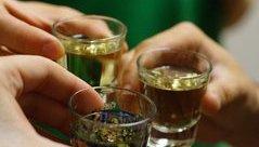 Sức khỏe - Doanh nghiệp kiến nghị bỏ quy định giới hạn thời gian, địa điểm bán rượu, bia