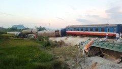 An ninh - Hình sự - Vụ tai nạn đường sắt khiến 12 người thương vong: Bắt tạm giam 2 nhân viên gác chắn đường ngang
