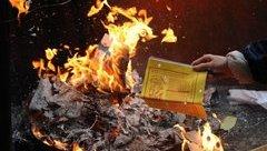 Xã hội - Bỏ đốt vàng mã: Tránh lãng phí, xóa nạn 'đút lót' thánh thần?