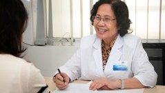 Tin nhanh - Giáo sư, bác sĩ Nguyễn Thị Ngọc Phượng, 'bà tiên' của hàng ngàn gia đình Việt