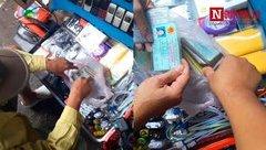 Mới- nóng - Clip: Giấy CMND được bày bán tràn lan tại các chợ đồ cũ ở TP.HCM