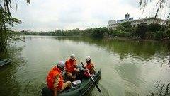 Xã hội - Truy tìm nguyên nhân tảo xanh Hồ Gươm bất ngờ... biến mất