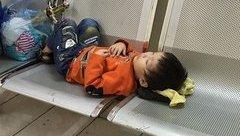 Tin nhanh - Hà Nội: Bé trai 3 tuổi bị bỏ rơi trong nhà nghỉ