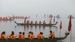 Xã hội - Chen lấn xem lần đầu đua thuyền rồng ở Hồ Tây