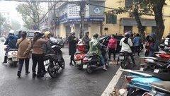 """Chính trị - Xã hội - Trông xe """"chặt chém"""" gần tiệm vàng ngày Vía Thần Tài"""