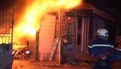 An ninh - Hình sự - Hé lộ nguyên nhân vụ dùng xăng đốt nhà khiến 2 người bị thương