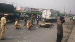 Tin nhanh - Va chạm xe tải, vợ chết chồng bị thương