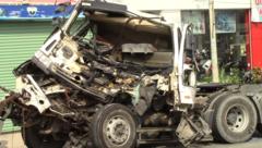 Tin nhanh - Giải cứu tài xế mắc kẹt trong đầu xe container bẹp rúm