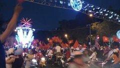 Bóng đá Việt Nam - Cổ động viên TP.HCM muốn đúc tượng HLV Park Hang-seo