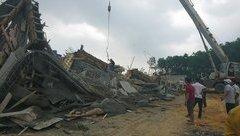 Tin nhanh - Nóng: Sập giàn giáo công trình cây xăng, 7 người nhập viện cấp cứu