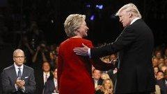 """Tiêu điểm - Ông Trump lại bất ngờ """"đá xoáy"""" cựu đối thủ trên Twitter"""