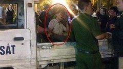 An ninh - Hình sự - Nóng: Khởi tố tài xế xe bán tải kéo lê người hàng trăm mét về tội Giết người