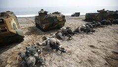 Tiêu điểm - Bất chấp cảnh báo 'tấn công tàn nhẫn' của Triều Tiên, Mỹ - Hàn bắt đầu tập trận