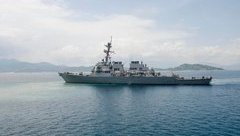 Tiêu điểm - Mỹ: 10 thủy thủ trên tàu USS John McCain mất tích sau vụ va chạm lúc 'nước sôi lửa bỏng'