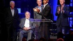 Tiêu điểm - 5 cựu Tổng thống Hoa Kỳ  xuất hiện cùng lúc để gây quỹ giúp đỡ người dân