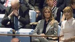 """Tiêu điểm - Hành động """"lạ"""" của Chánh văn phòng Nhà Trắng  khi TT Trump phát biểu tại Liên Hợp Quốc"""