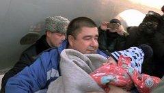 Tiêu điểm - Hé lộ lý do khiến bé gái sống sót trong vụ rơi máy bay Nga