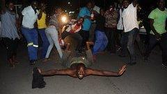 Tiêu điểm - Người dân Zimbabwe tưng bừng ăn mừng khi Tổng thống Mugabe từ chức