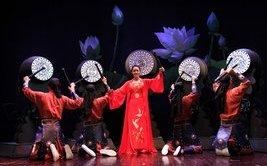 Kinh doanh - Hai 'viên ngọc sáng' làng kịch nói bước lên sân khấu Nhà hát Lớn