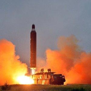 Binh sĩ Syria dùng tên lửa chống tăng săn khủng bố ở Tây Ghouta