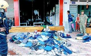 Tin nhanh - Đầu năm, cửa hàng bán quần áo tại tỉnh Vĩnh Long bất ngờ bốc cháy
