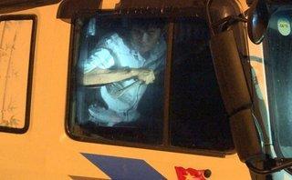 An ninh - Hình sự - [CLIP ĐỘC QUYỀN] Cận cảnh khống chế, bắt giữ tài xế chống người thi hành công vụ