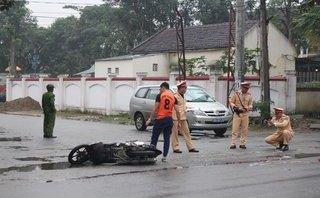 Tin nhanh - Tông người phụ nữ qua đường, nam thanh niên tử nạn