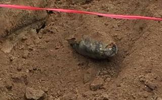 Tin nhanh - Hà Tĩnh: Xây trường mầm non, phát hiện bom dưới lòng đất