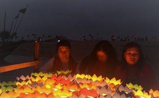 Văn hoá - Những đồng đội sống sót trong trận chiến Gạc Ma tưởng niệm người đã khuất