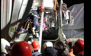 Xã hội - Xe container đâm xe tải trên cao tốc Pháp Vân – Cầu Giẽ, 2 người chết