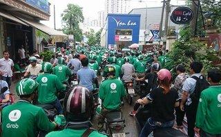 Xã hội - Hà Nội: Yêu cầu Uber, Grab công khai giá cước như taxi truyền thống