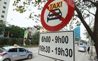 Tin nhanh - Hà Nội lên tiếng về việc gỡ biển cấm taxi vào 11 tuyến phố