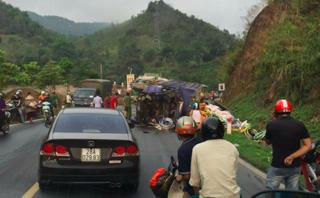 Tin nhanh - Hoà Bình: Tai nạn liên hoàn khiến 1 người chết, 3 người bị thương