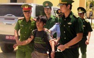 Pháp luật - Nữ 'cửu vạn' giúp biên phòng bắt ông trùm trên đỉnh Keo Nưa