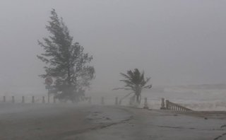 Chính trị - Xã hội - Áp thấp nhiệt đới tiến sát, Hà Tĩnh ra lệnh cấm biển