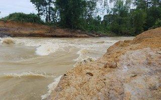 Chính trị - Xã hội - Hà Tĩnh: Nước về dồn dập, đập Cố Châu vỡ lớn
