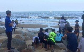 Xã hội - Vụ học sinh mất tích trên biển: Phát hiện 1 thi thể ở Quảng Bình