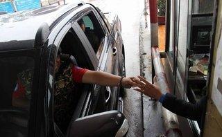 Xã hội - Trả phí BOT Cầu Rác bằng tiền xu, tài xế bị từ chối bán vé trong đêm giao thừa