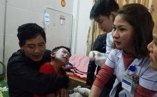 Tin nhanh - Hà Tĩnh: Nổ bình ga tại trường tiểu học, 7 cháu bị bỏng nặng