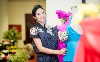 Sự kiện - HH Ngọc Hân giới thiệu bộ sưu tập mới tại 'thủ phủ tơ lụa'