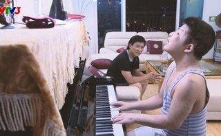 Sự kiện - Chương trình rơi nước mắt về bố con nghệ sĩ Quốc Tuấn nhận giải Vàng