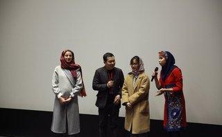 Sự kiện - Vượt qua nhiều đề cử, Cha cõng con giành giải Phim hay nhất châu Á
