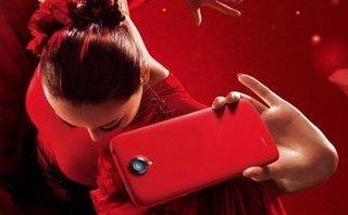 Công nghệ - 5 gợi ý về điện thoại cho tín đồ màu đỏ trong mùa Giáng sinh