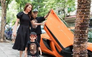 Giải trí - Chồng Ngọc Thạch lái siêu xe 16 tỷ đồng chúc mừng vợ lên 'bà chủ'
