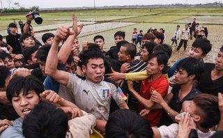 Sự kiện - BTC hội Phết Hiền Quan nói gì về việc tranh cướp phản cảm, bạo lực ở Lễ hội?